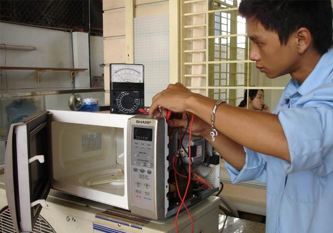 sửa chữa lò vi sóng