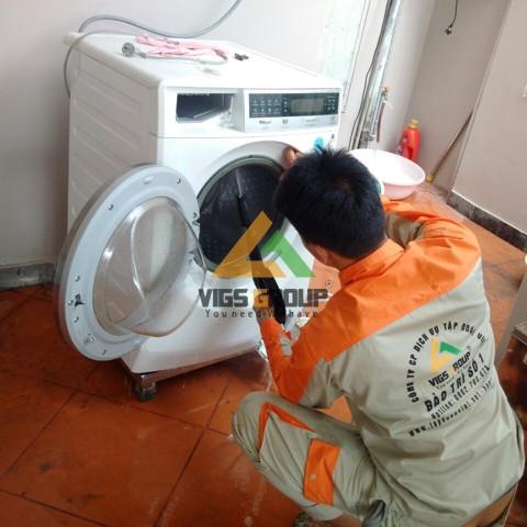 sửa máy giặt Electrolux lỗi E40