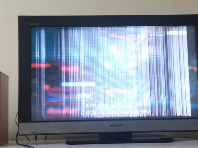 Màn hình bị sọc ngang sọc dọc cũng là lúc cần sửa màn hình tivi