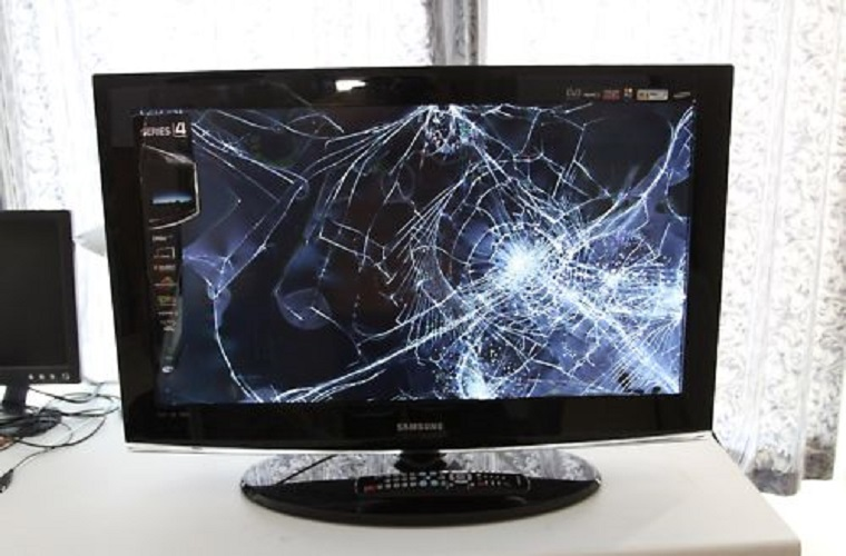 Có những trường hợp thợ sửa tivi lcd buộc phải thay mới màn hình