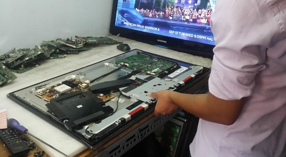 Điện lạnh Bách Khoa cung cấp dịch vụ sửa tivi plasma tại nhà